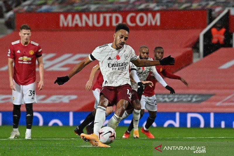 Pierre-Emerick Aubameyang mencetak gol semata wayang kemenangan Arsenal lewat eksekusi tendangan penalti pada menit ke-69