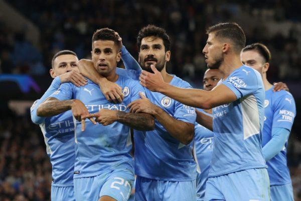 Bek sayap Manchester City Joao Concelo
