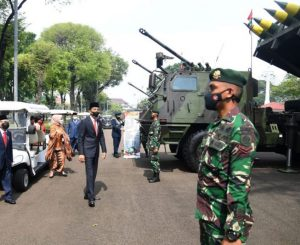 Presiden Joko Widodo beserta Ibu Negara Iriana